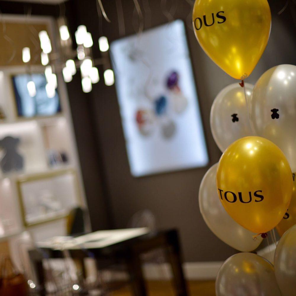 Cómo hacer una inauguración con globos publicitarios