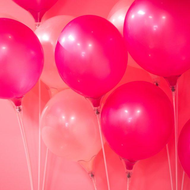 Consejos imprescindibles para decorar tu evento con globos personalizados